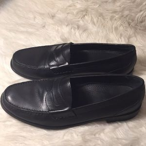 Gorgeous cole haan penny loafers black
